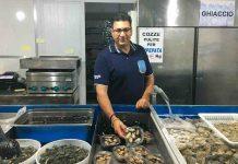 Le cozze di Taranto nel negozio del mitilicoltore Emanuele Valentini