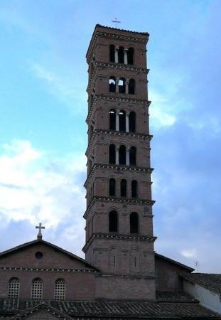 Campanile della basilica di Santa Maria in Cosmedin