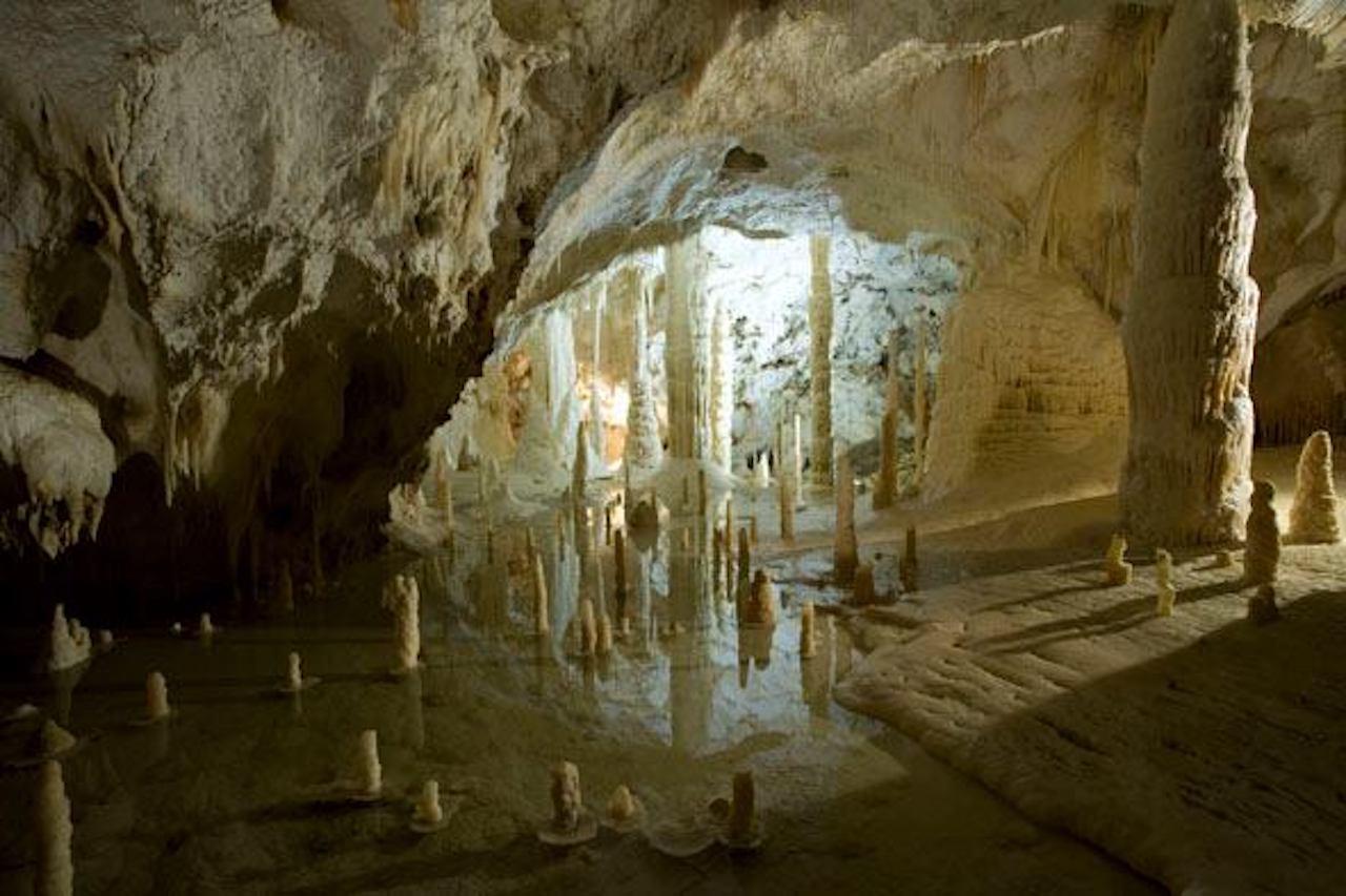 Marche, Grotte di Frasassi
