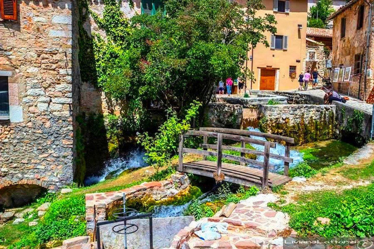 Rasiglia, un piccolo ponte a Rasiglia