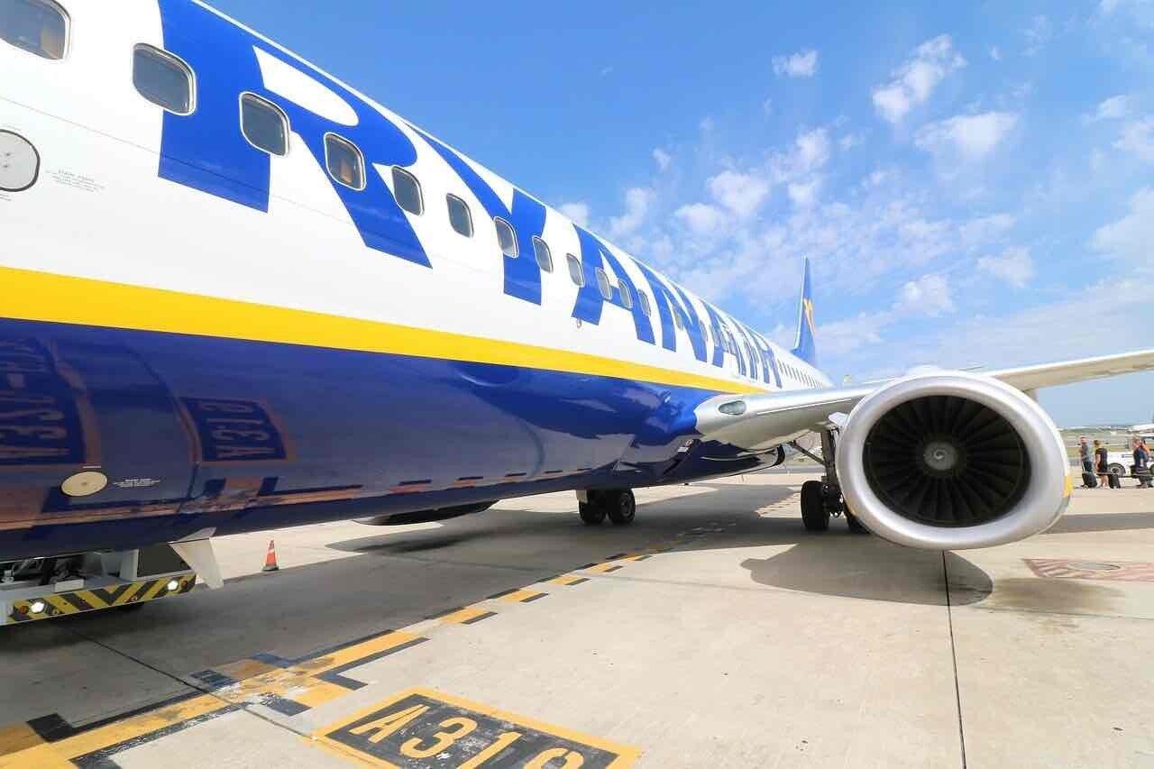 Ryanair, motore di un aereo da vicino