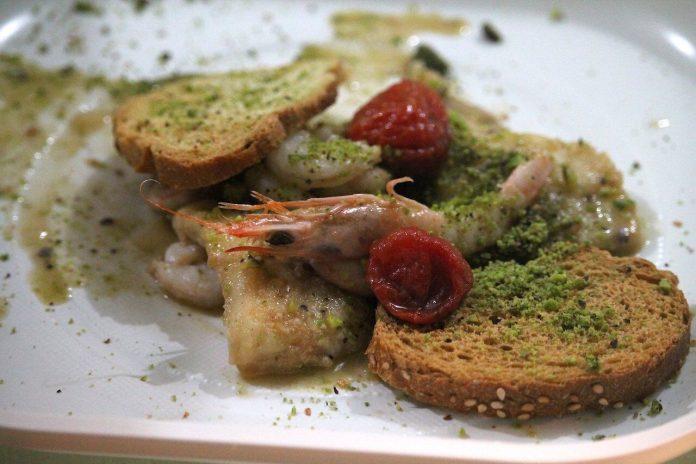 Il Pistacchio di Raffadali adagiato su un piatto salato