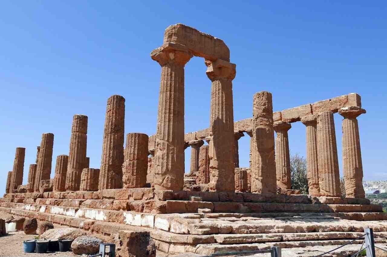 Sicilia, tempio nel parco archeologico di Agrigento