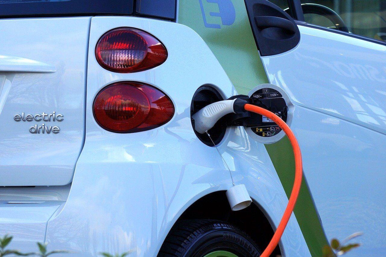 Earth day 2021, cresce l'acquisto di auto elettriche