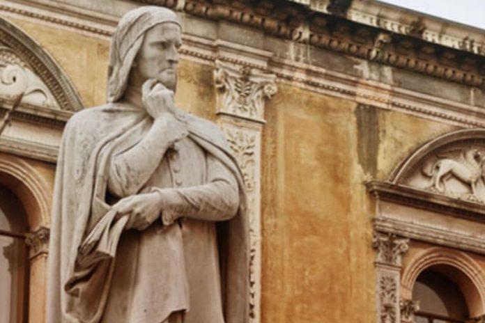 Dante e Verona, la statua del poeta fiorentino nella città scaligera