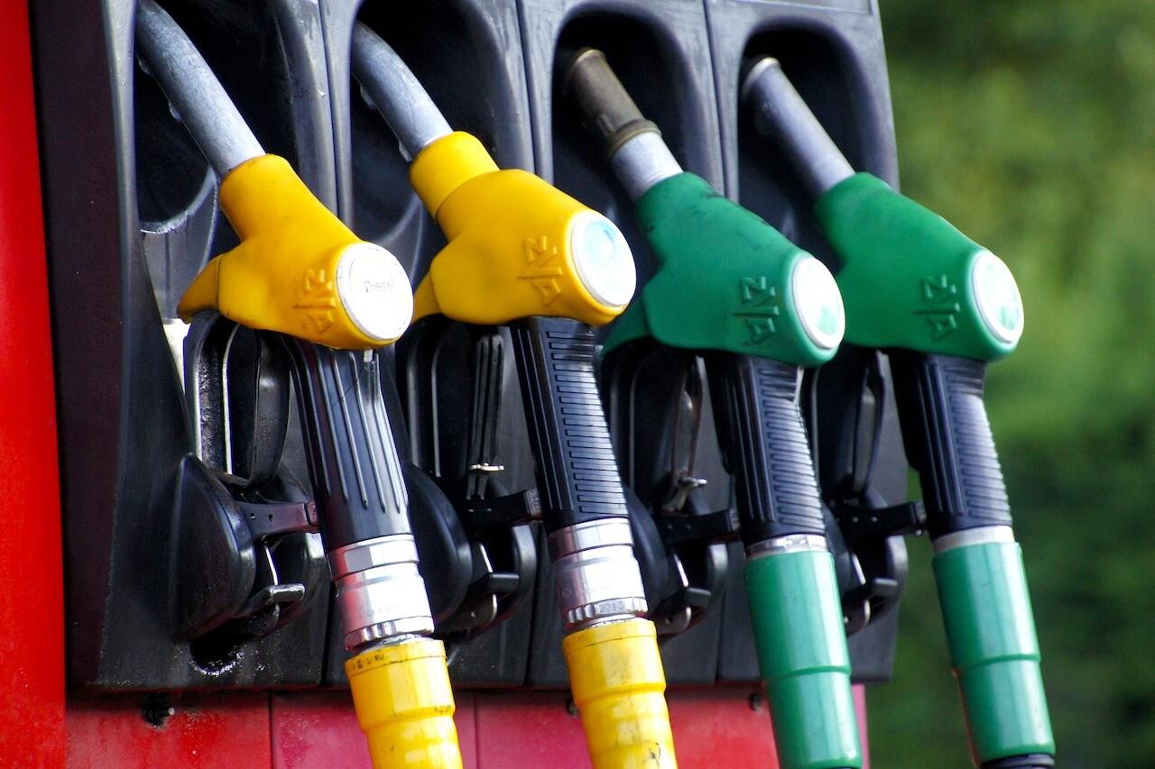 benzina, distributore